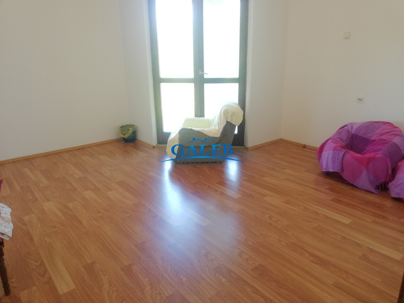 Dvorišni stanovi,Šumica,E910066