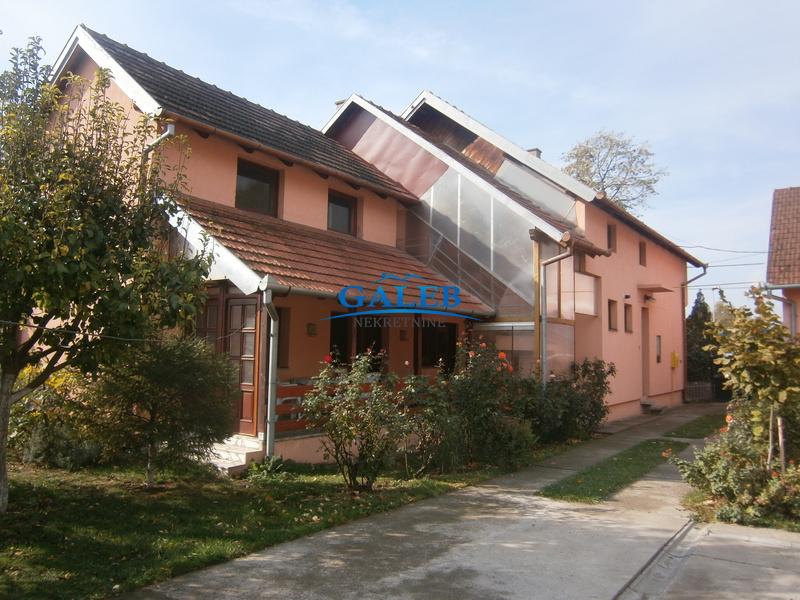 Kuće,Zeleno Polje,E611036
