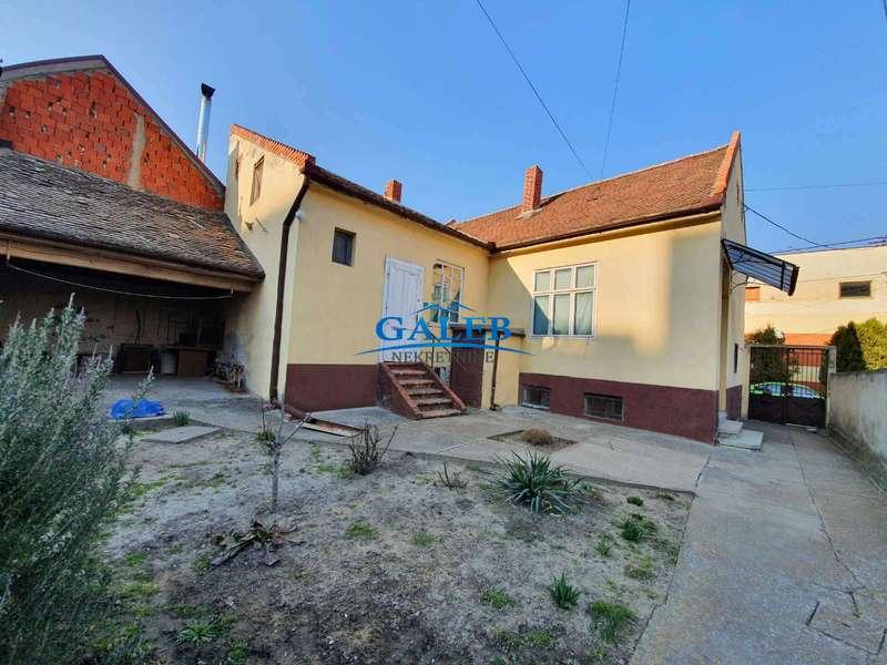 Dvorišni stanovi,Centar - Zrenjanin,E910084